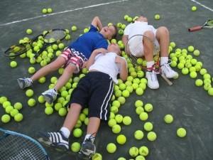 тренировки тенис силистра корт